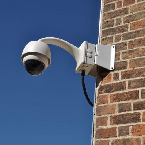 Implementar sistemas de seguridad durante la construcción o la reforma